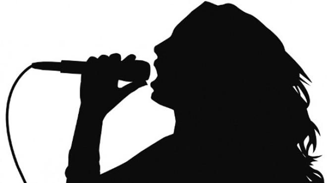 τραγουδιστρια-ερωτηματικο-6