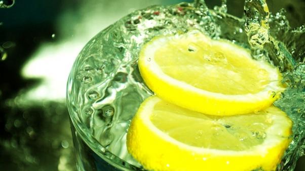 lemon_slice_slices_spray_splash_49688_602x339