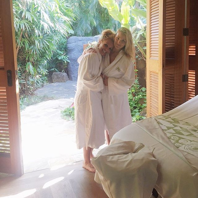 britney_spears_with_her_sister_lynn_81b00