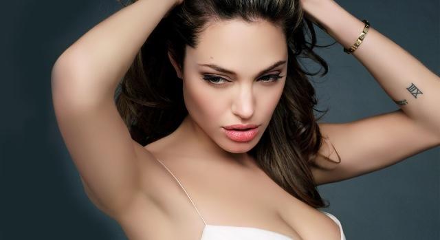 hd-angelina-jolie-sexiest-body-1920x1080